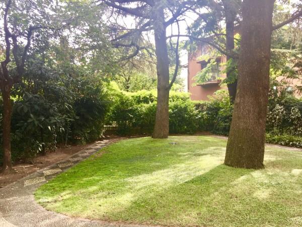 Villa in vendita a Milano, Con giardino, 500 mq