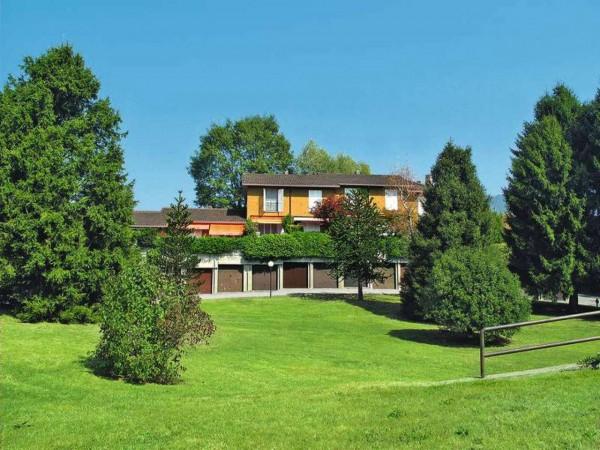 Villetta a schiera in vendita a Bregano, Arredato, con giardino, 115 mq