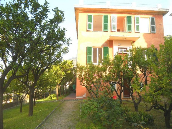 Villa in vendita a Genova, S.ilario, Con giardino, 300 mq - Foto 1
