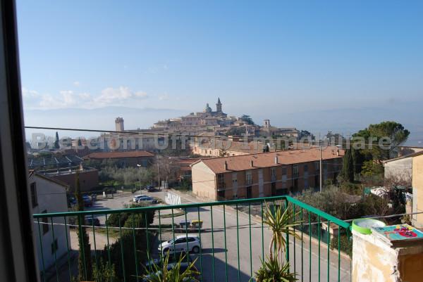 Appartamento in vendita a Trevi, Centrale, Con giardino, 90 mq - Foto 2