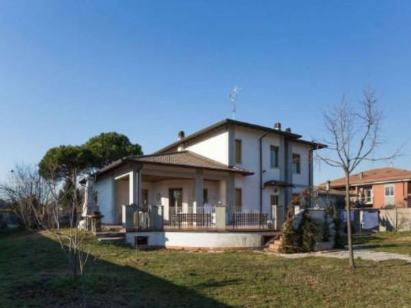 Villa in vendita a Lainate, Con giardino, 550 mq - Foto 1