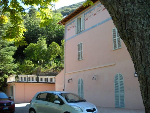 Locale Commerciale  in vendita a Spoleto, 500 mq - Foto 1