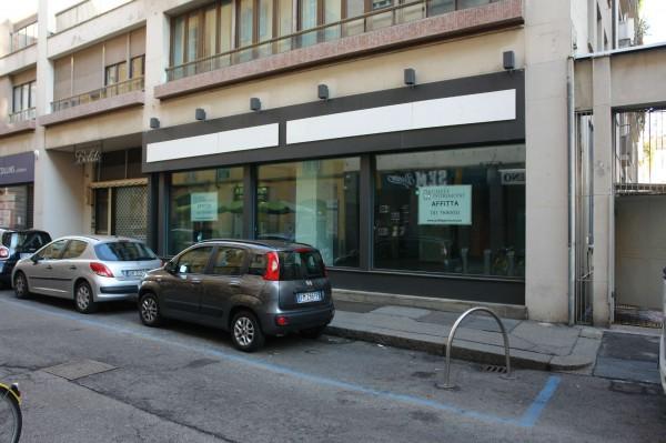 Negozio in affitto a Torino, Lagrange, 400 mq