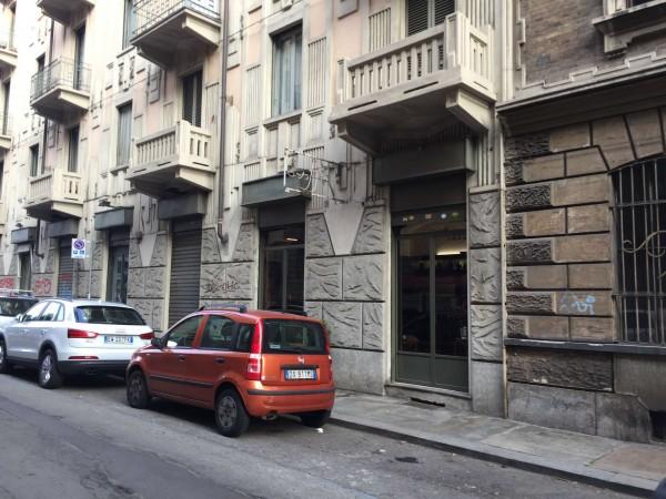 Locale Commerciale  in vendita a Torino, Arredato, 70 mq - Foto 1