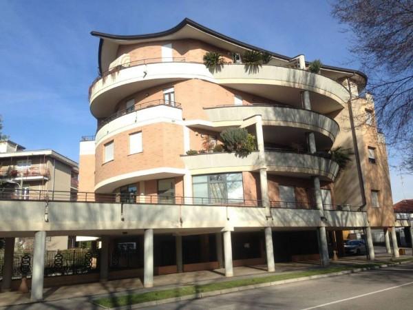 Appartamento in vendita a Busto Arsizio, Arredato, con giardino, 100 mq