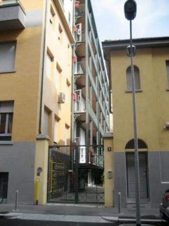 Appartamento in affitto a Milano, Campania, Arredato, 50 mq