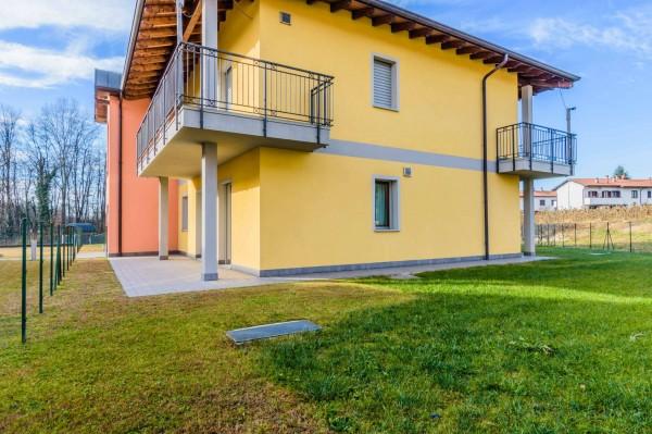 Appartamento in vendita a Daverio, Con giardino, 95 mq