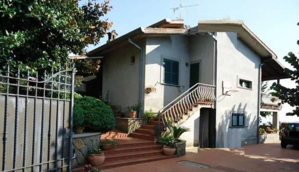 Villa in vendita a Velletri, 276 mq