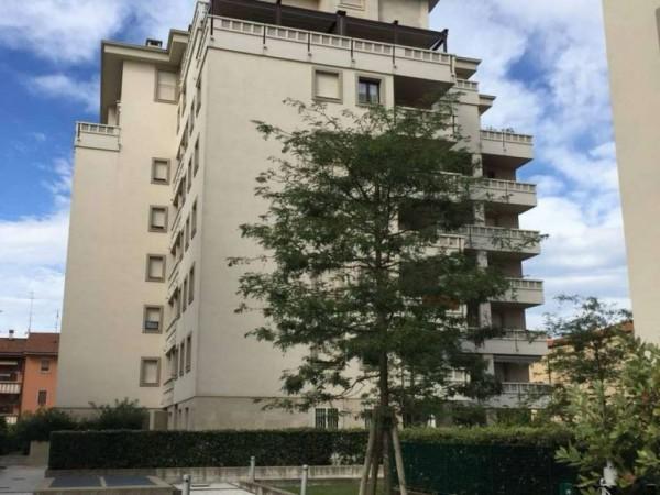 Appartamento in vendita a Caronno Pertusella, Con giardino, 87 mq