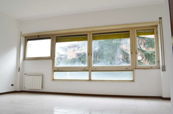 Appartamento in vendita a Roma, Torrino Mostacciano, Con giardino, 70 mq