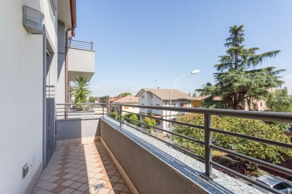 Appartamento in vendita a Cernusco sul Naviglio, Con giardino, 231 mq