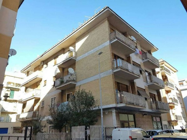 Appartamento in vendita a Roma, Tor Sapienza, 74 mq
