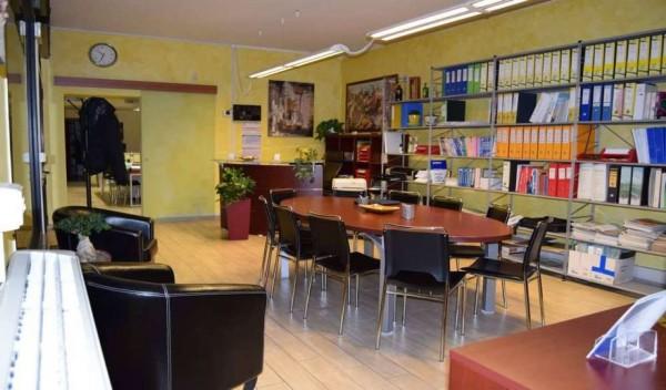 Appartamento in vendita a Roma, Con giardino, 105 mq
