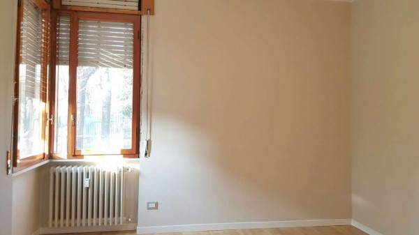 Appartamento in vendita a Desio, Zona Parco / Confine Muggio', Con giardino, 70 mq - Foto 18