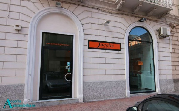 Negozio in affitto a Taranto, Centrale, 65 mq - Foto 4