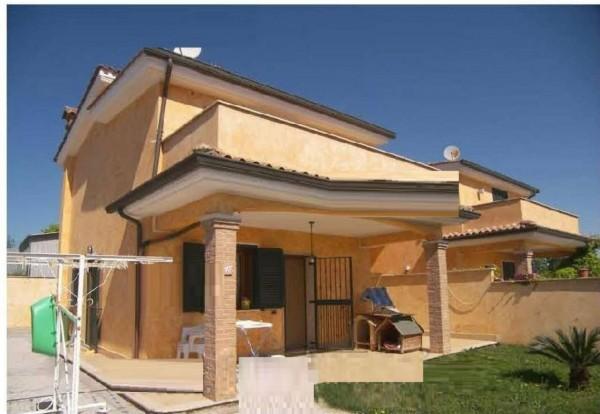 Villa in vendita a Pomezia, 107 mq