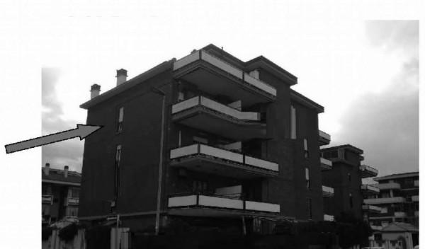 Appartamento in vendita a Pomezia, 82 mq