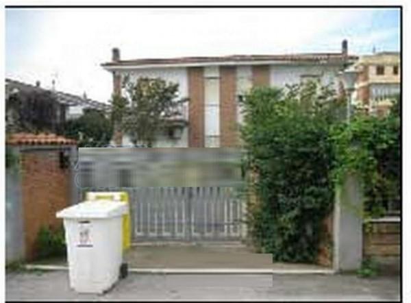 Appartamento in vendita a Pomezia, 84 mq
