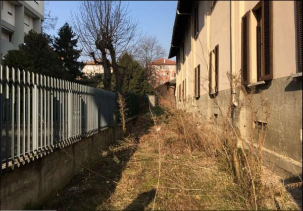 Casa indipendente in vendita a Milano, Piazza Abbiategrasso, Con giardino, 167 mq