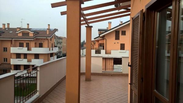 Appartamento in affitto a Bareggio, Semi Centrale, Arredato, 120 mq