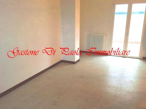Appartamento in vendita a Milano, Piazzale Cuoco, Con giardino, 67 mq
