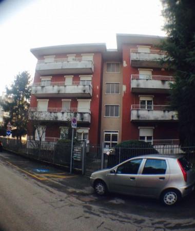 Appartamento in vendita a Busto Arsizio, Con giardino, 70 mq