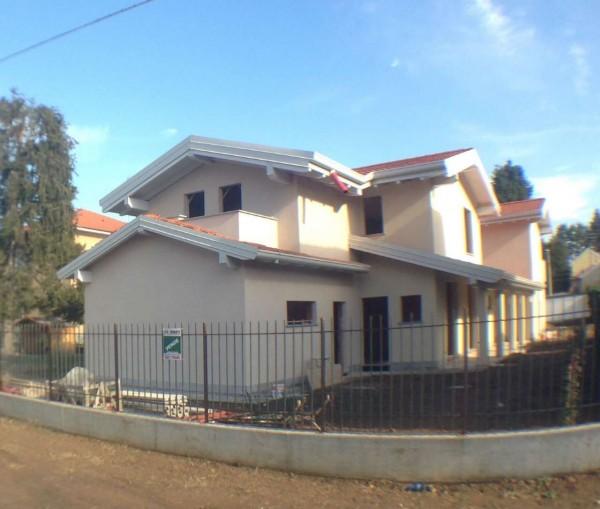 Villa in vendita a Gallarate, Cascinetta, Con giardino, 180 mq