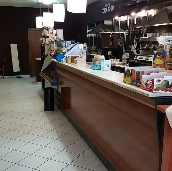 Cessione di locale commerciale  a Trofarello, Centro, 190 mq - Foto 4