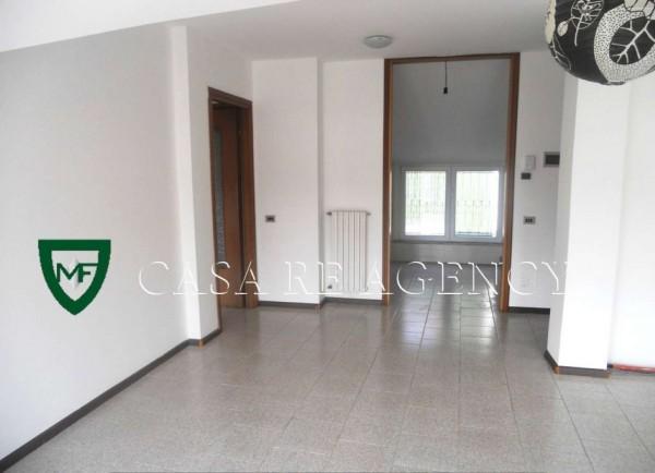 Appartamento in vendita a Varese, Viale Aguggiari, Con giardino, 90 mq