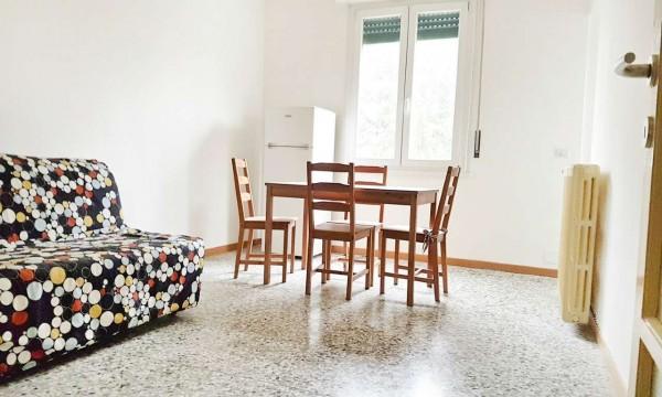 Appartamento in affitto a Milano, Certosa, Arredato, 60 mq