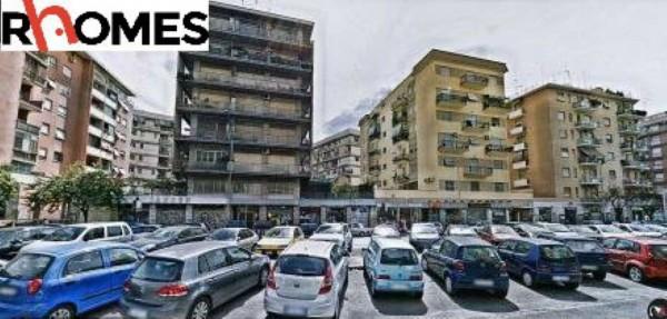 Appartamento in vendita a Roma, Giulio Agricola, Con giardino, 75 mq