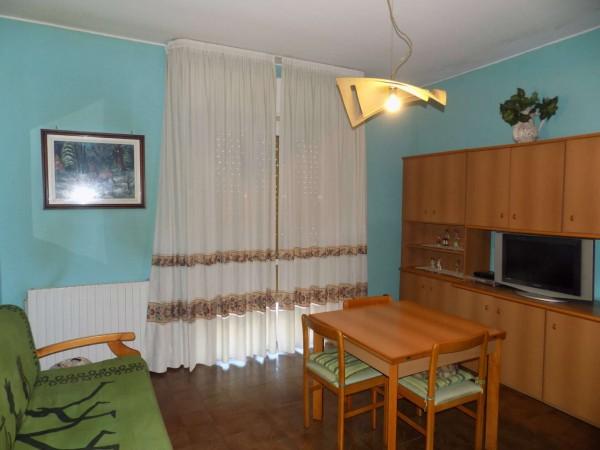 Appartamento in vendita a Senago, Conf. Cassina Nuova Di Bollate, Con giardino, 80 mq