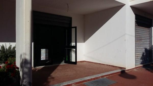Locale Commerciale  in vendita a Ascea, Marina, 60 mq