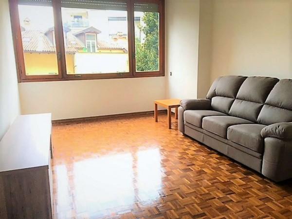 Appartamento in affitto a Monza, Centro, Arredato, con giardino, 70 mq