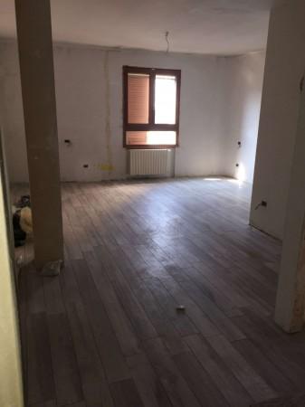 Appartamento in vendita a Milano, San Siro, Con giardino, 41 mq