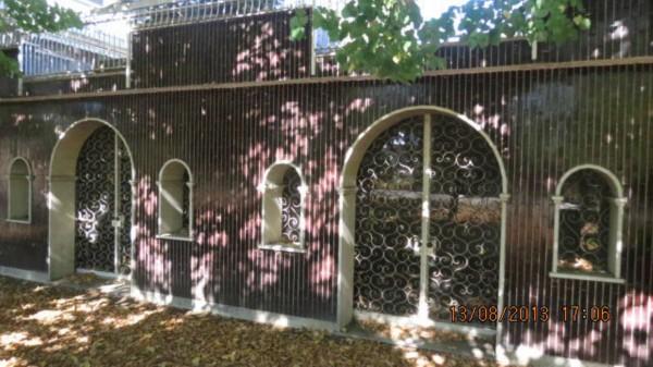 Locale Commerciale  in vendita a Milano, Forlanini, Con giardino, 1100 mq