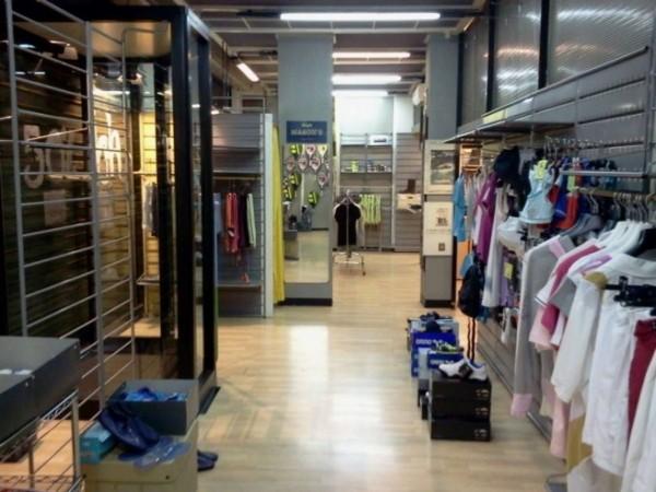 Negozio in vendita a Milano, 180 mq - Foto 1