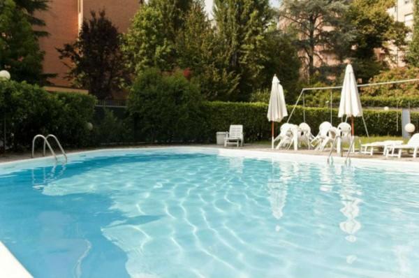 Appartamento in vendita a Milano, San Siro, Con giardino, 60 mq