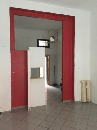 Locale Commerciale  in affitto a Sesto San Giovanni, Rondo, 45 mq