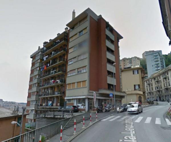 Appartamento in vendita a Genova, Marassi, 50 mq