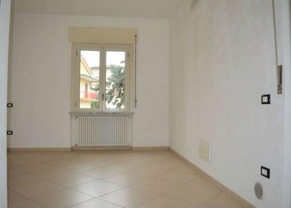 Appartamento in vendita a Forlì, Venturini, Con giardino, 60 mq
