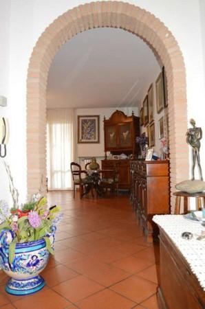 Villetta a schiera in vendita a Forlì, Vecchiazzano, Con giardino, 180 mq