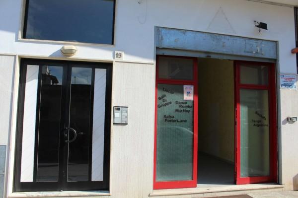 Locale Commerciale  in affitto a Triggiano, Via Virgilio, 180 mq