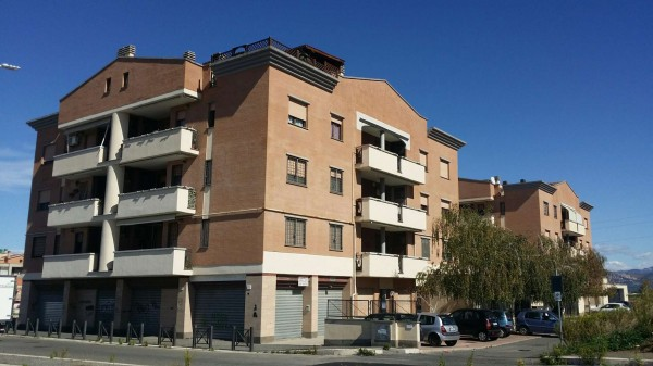 Appartamento in vendita a Roma, Castelverde, 70 mq