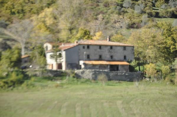 Locale Commerciale  in vendita a Chitignano, Campagna, Con giardino, 600 mq - Foto 1