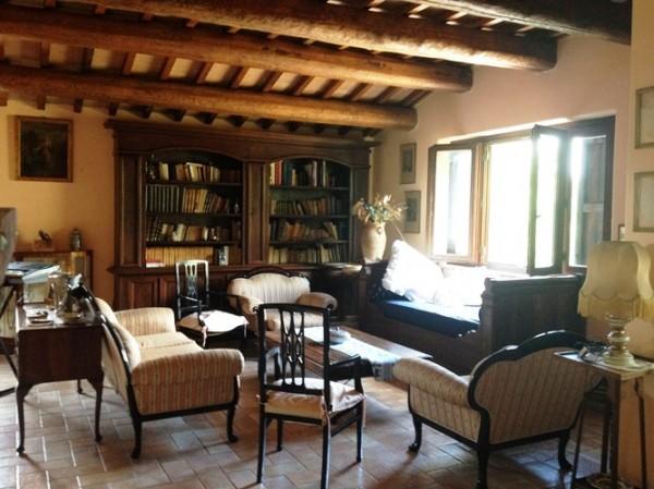Rustico/Casale in vendita a Perugia, Perugia, Con giardino, 400 mq - Foto 1