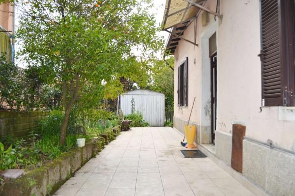 Casa indipendente in vendita a Roma, Con giardino, 500 mq