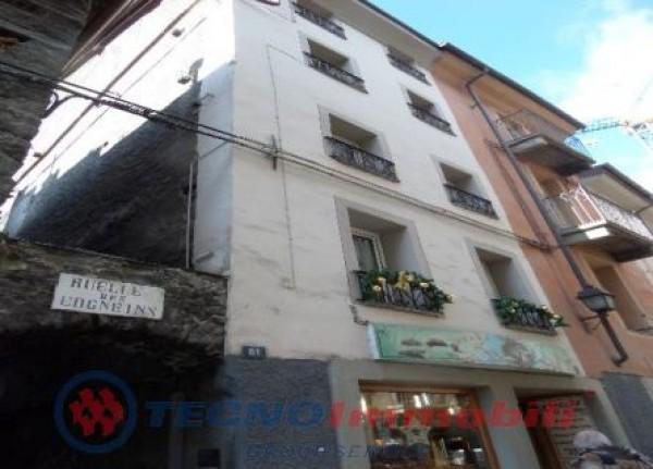 Appartamento in vendita a Aosta, 70 mq
