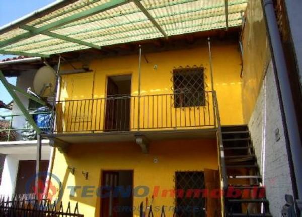 Casa indipendente in vendita a Front, 72 mq