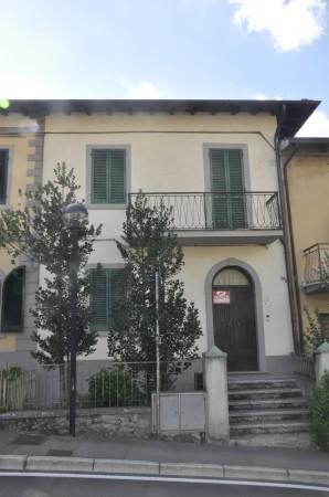 Appartamento in vendita a Bibbiena, Centrale, Con giardino, 100 mq